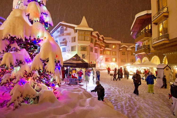Christmas season in the village of Sun Peaks Resort, north of Kamloops, Thompson Okanagan region, British Columbia, Canada