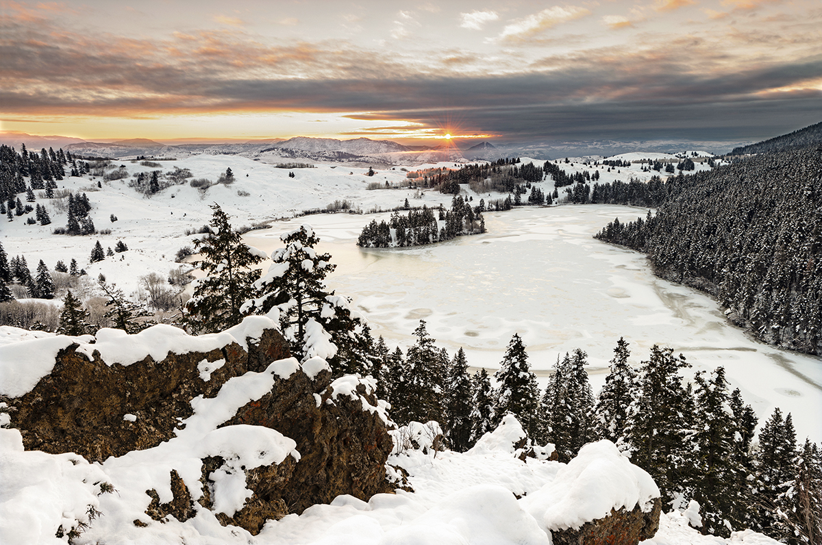winter landscape and sunrise north of Kamloops, British Columbia, Canada