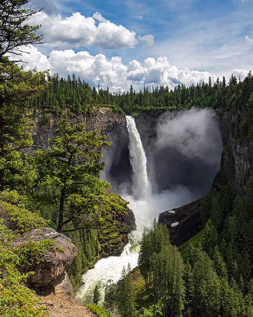 Helmcken Falls in Wells Gray Park, BC Canada